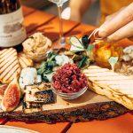 wino, tapasy, podpłomyki, włoska kuchnia, wegańskie - restauracja pół na pół